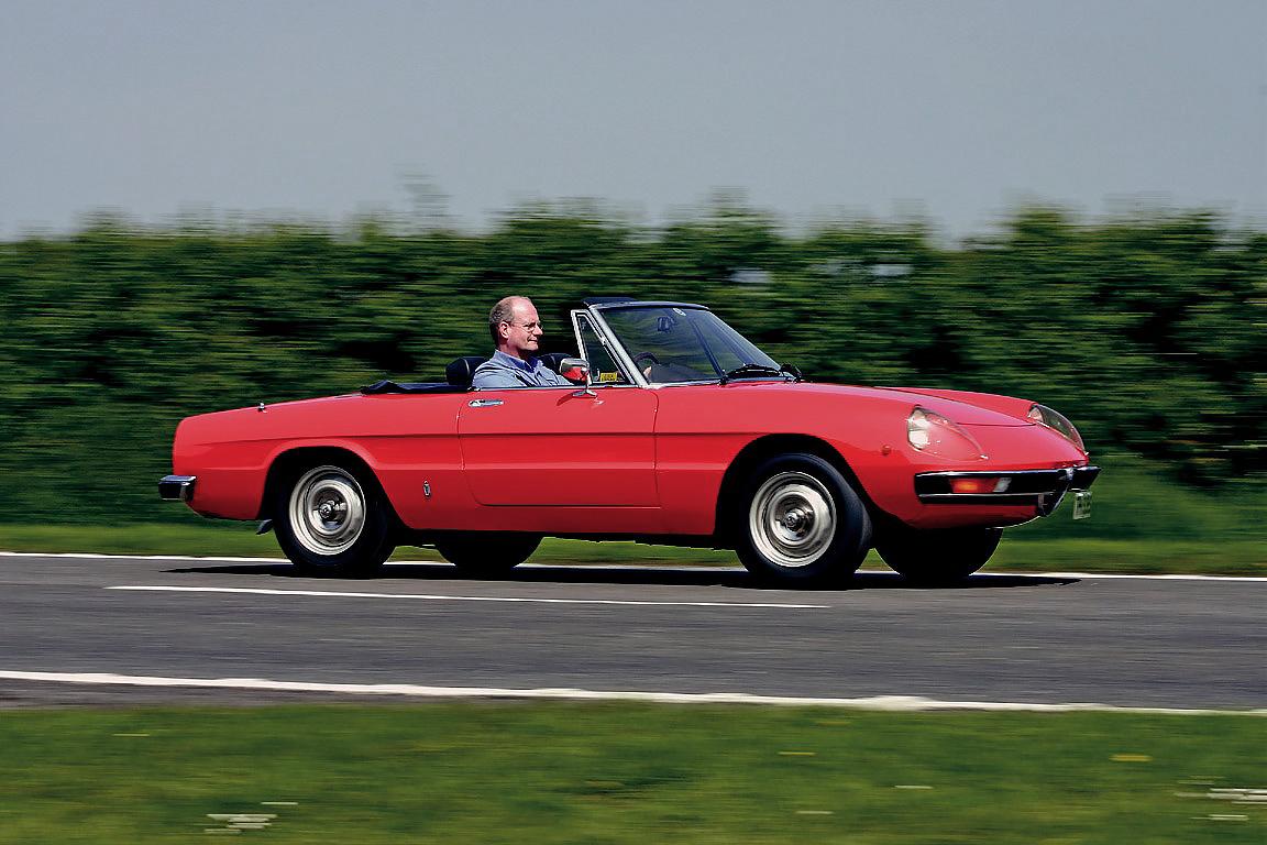 Alfa Romeo Spider 2000 S2 Test Drive Drive