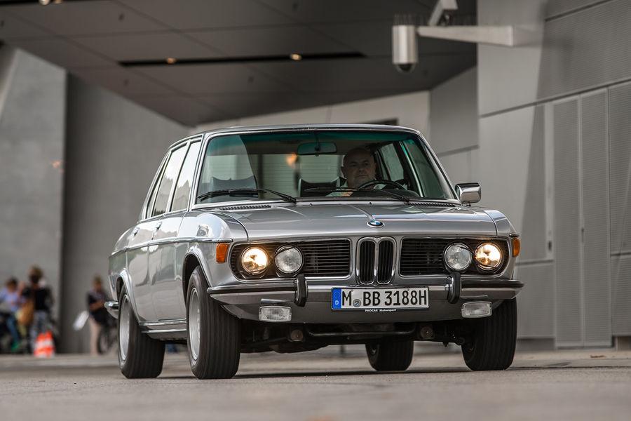 Road test BMW 3.3Li automatic E3 - Drive