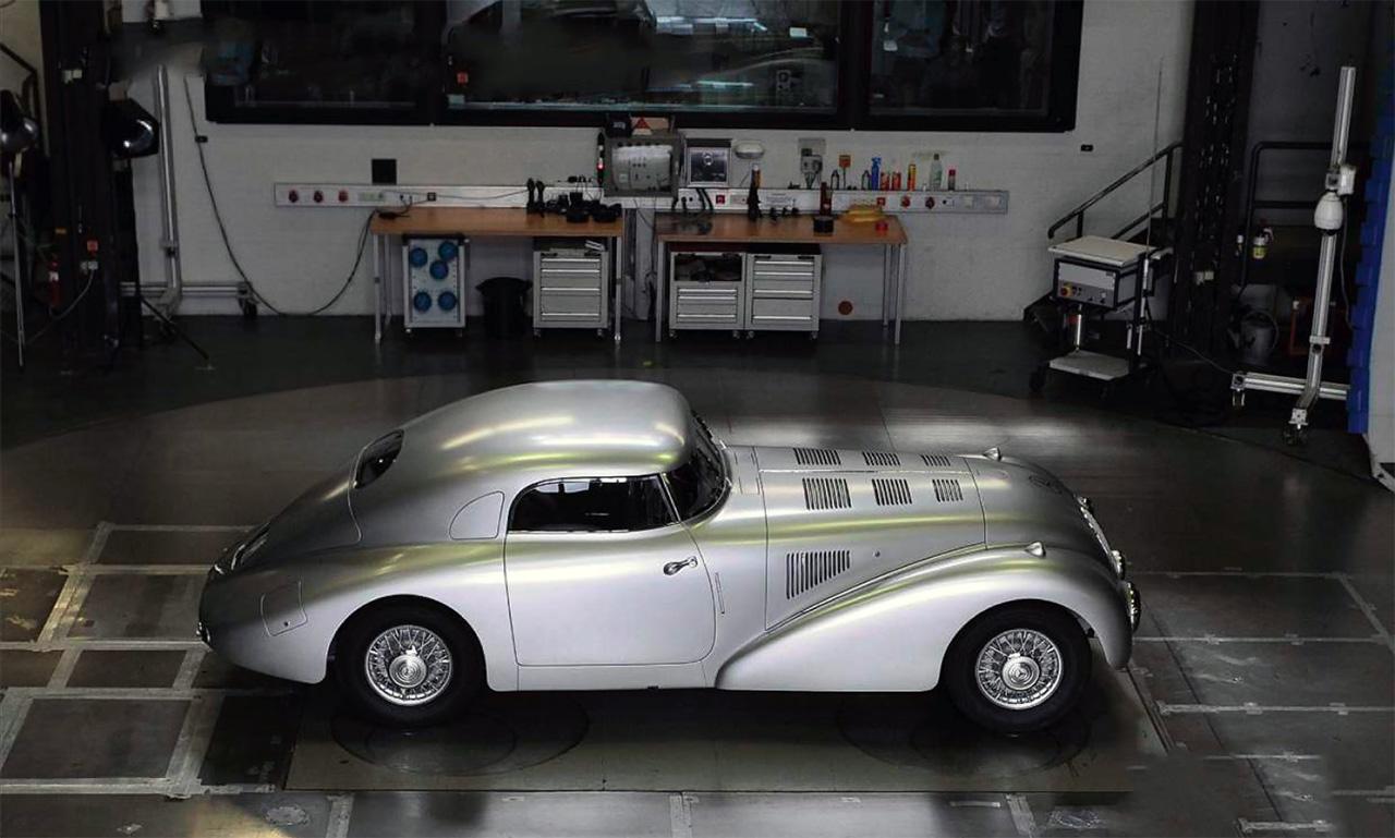 Restoration mercedes benz 540k streamliner drive for Mercedes benz restoration