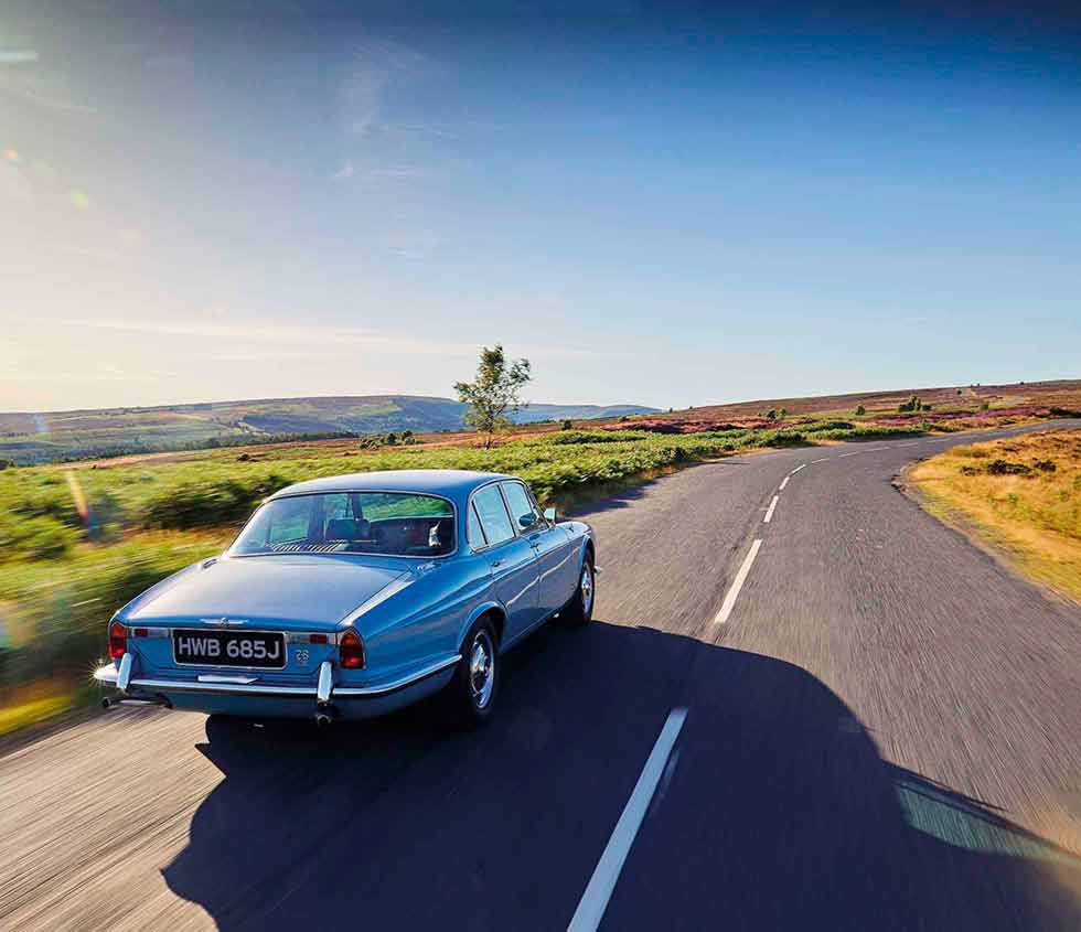 1970 Jaguar Xj6 Manual Transmission Wiring Diagrams In Sapphire Blue 2 8 Gearbox Series 1 Road Test Drive Rh My Com