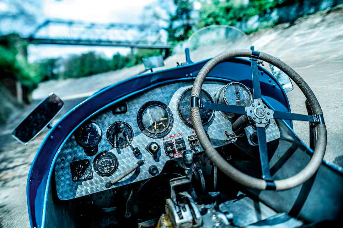1927 Napier Blue Bird homage - Drive