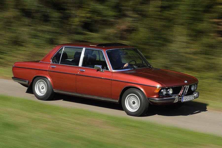 Fiat Vs MercedesBenz E W And BMW SA E Drive - 3 0 bmw