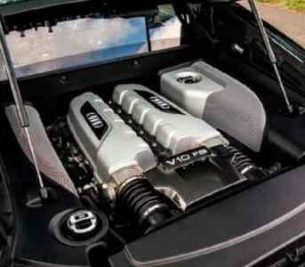 Audi R8 V10 Type 42 road test