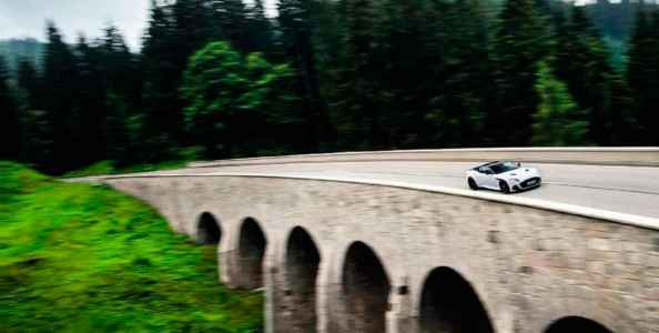 2019 Aston Martin DBS Superleggera - road test