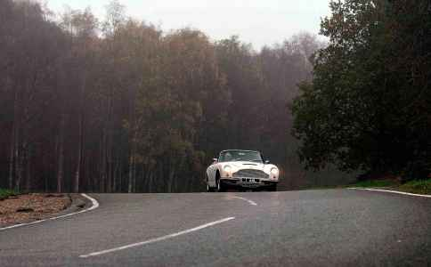 Electric powertrain 1970 Aston-Martin DB6 Mk2 Volante