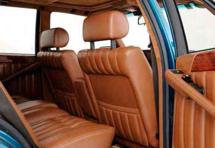 Lancia Thema 8.32 interior