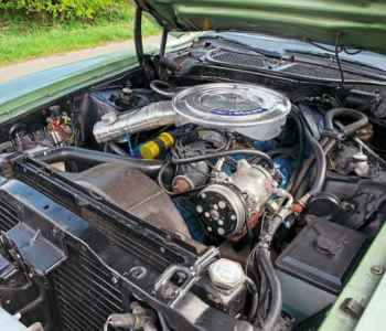 1972 Ford Mustang Grandé engine V8