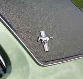 1972 Ford Mustang Grandé - side logo
