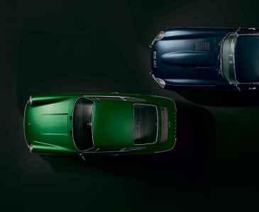 Jaguar E-type vs. Porsche 911