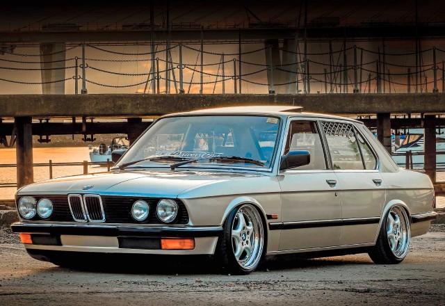 Super-clean air-ride BMW 520i E28