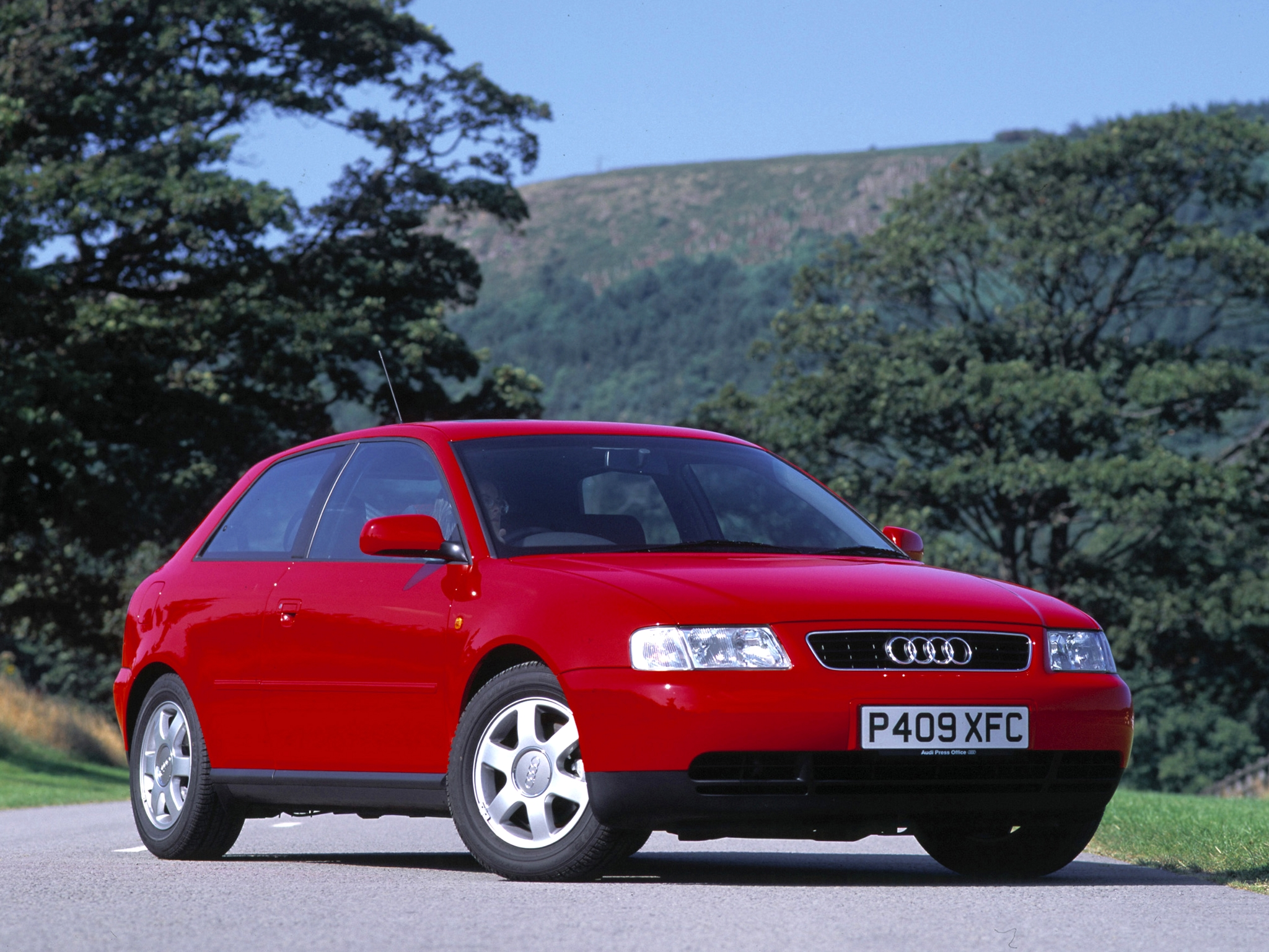 Trailblazer the first audi a3 8l andrew everett takes a close look at the first series of a3s