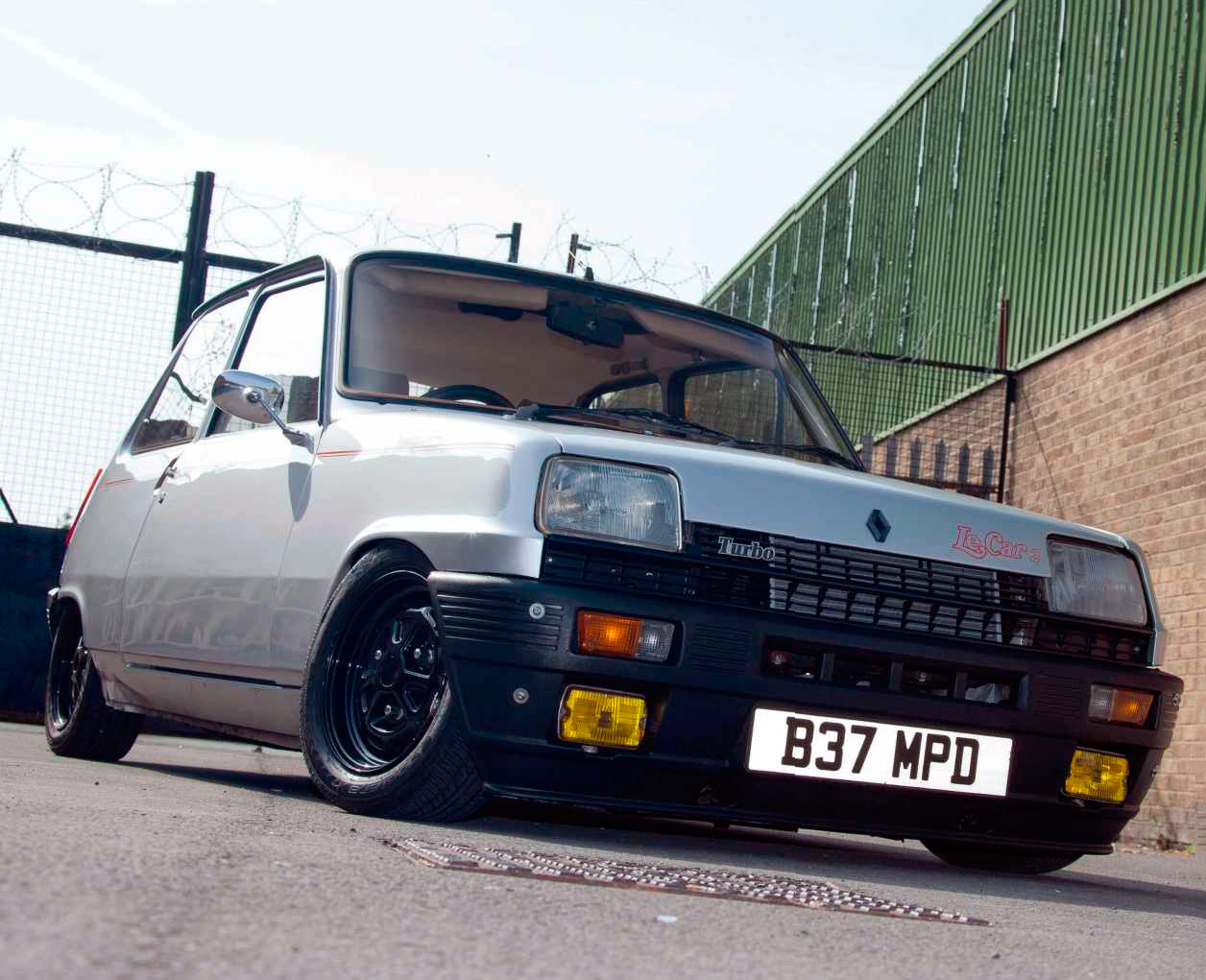 retro ride renault 5 turbo drive my blogs drive. Black Bedroom Furniture Sets. Home Design Ideas