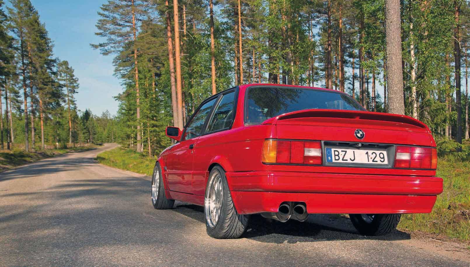 Wild 400hp S62 V8-swapped BMW E30 Coupe - Drive-My Blogs - Drive