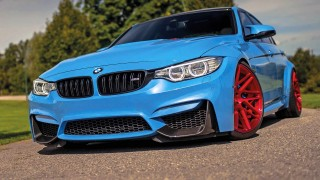Striking slammed BMW M3 F80