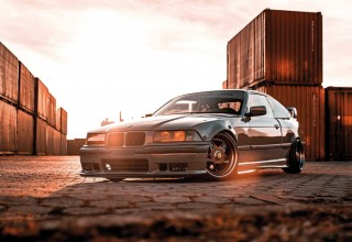 Felony Form wide-body BMW 320i Coupe E36