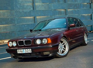 800hp turbo tuned BMW 540i Touring E34