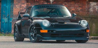 Porsche 911 Carrera 2 993 configured for circuit life