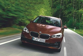 2019 BMW 225xe Active Tourer M Sport F45 and 2019 BMW 220i Gran Tourer Sport F46 - road test
