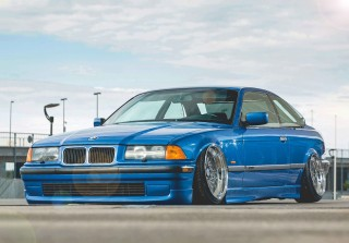 USDM-styled air-ride 1997 BMW 320i Coupe Clubsport E36