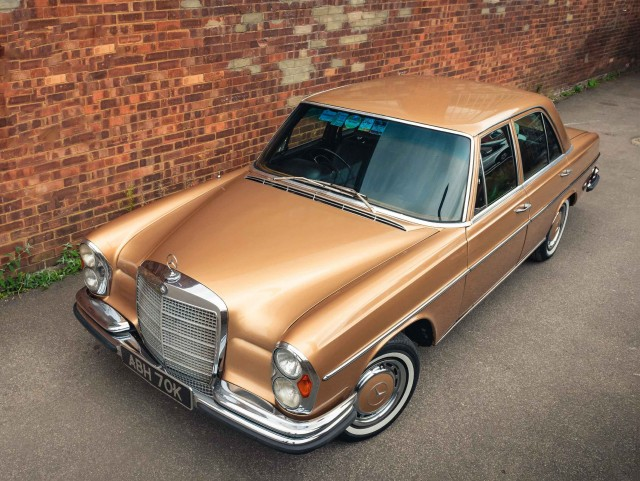 Gold Rush 1971 Mercedes-Benz 280SE 3.5 Automatic W108 M116 V8-engined