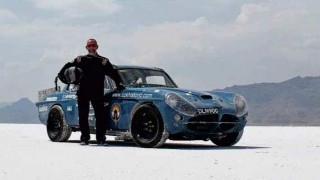 Man & Machine Ian Northeast and the world's fastest Jensen 250,000-mile daily driver Jensen C-V8
