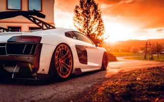 Tuned Air ride with AccuAir Audi R8 V10 Type 4S