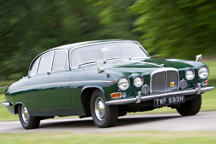 1962 Jaguar MkX road test - Drive