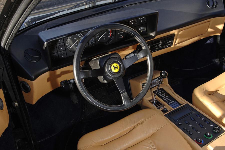 1986 ferrari mondial 3 2 qv road test drive. Black Bedroom Furniture Sets. Home Design Ideas