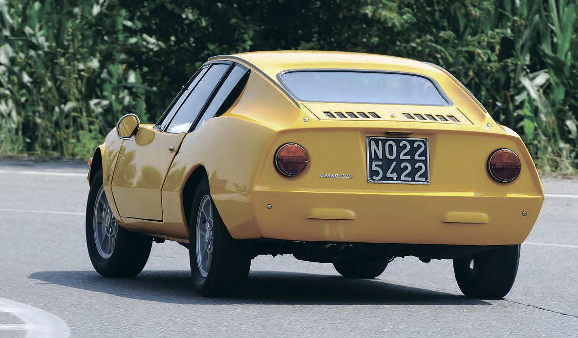 Lombardi 850 Spider Monza Fiat 850 Grand Prix Drive