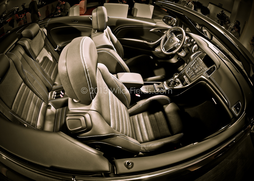 кабриолет Opel Cascada