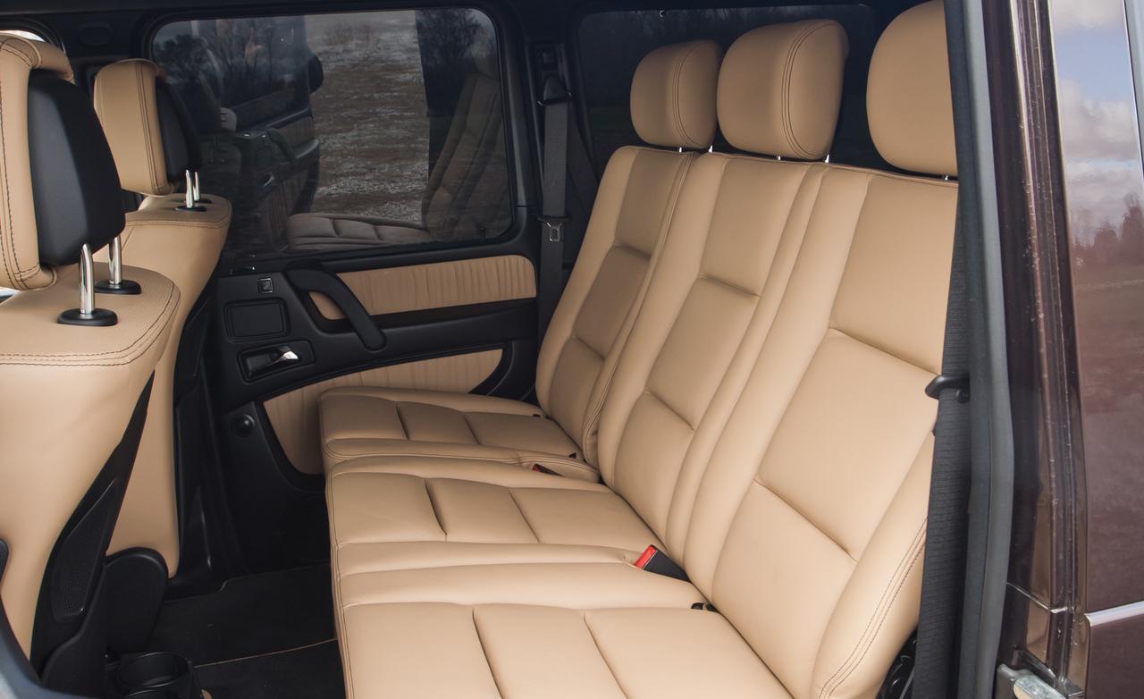 Тест скоростного Mercedes-Benz G63 AMG задний диван