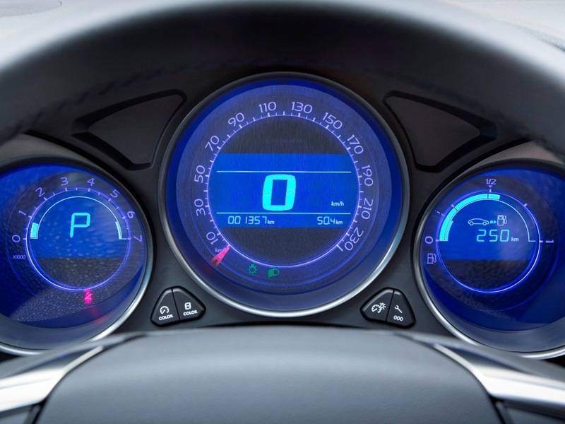 CitroenC4 Sedan тест