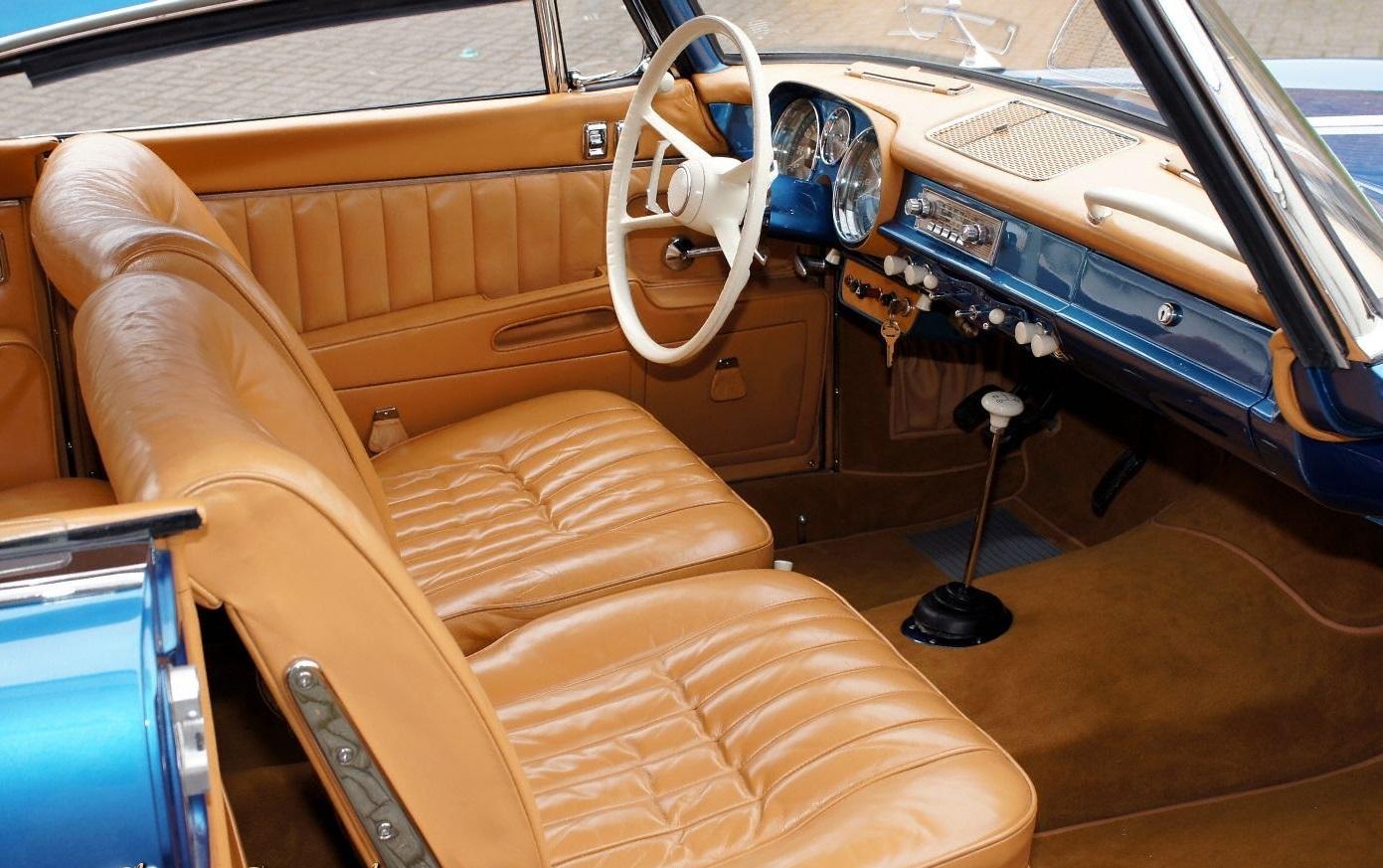 BMW 503 салон