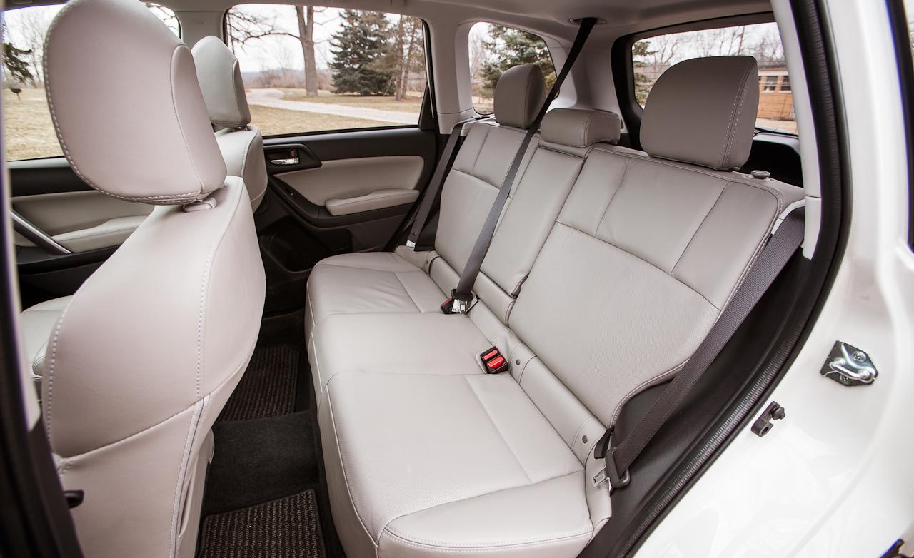 задние места Subaru Forester четвертой генерации