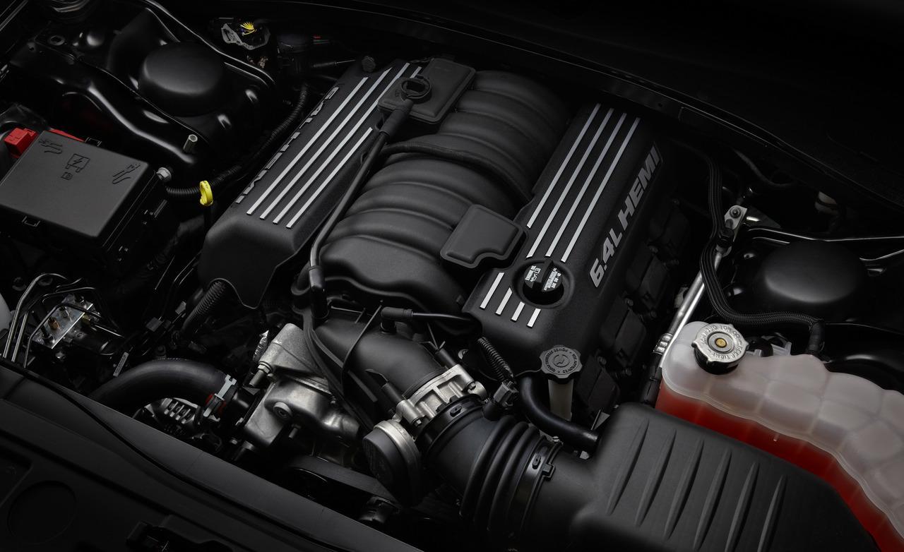 двигатель Chrysler 300C SRT8