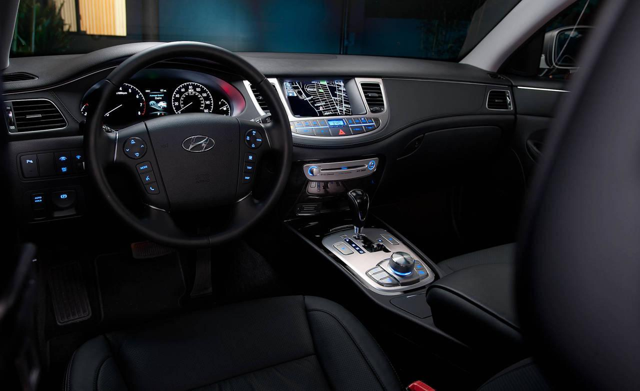 салон Hyundai Genesis