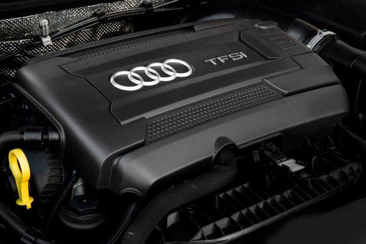 Тест седана Audi A3 мотор