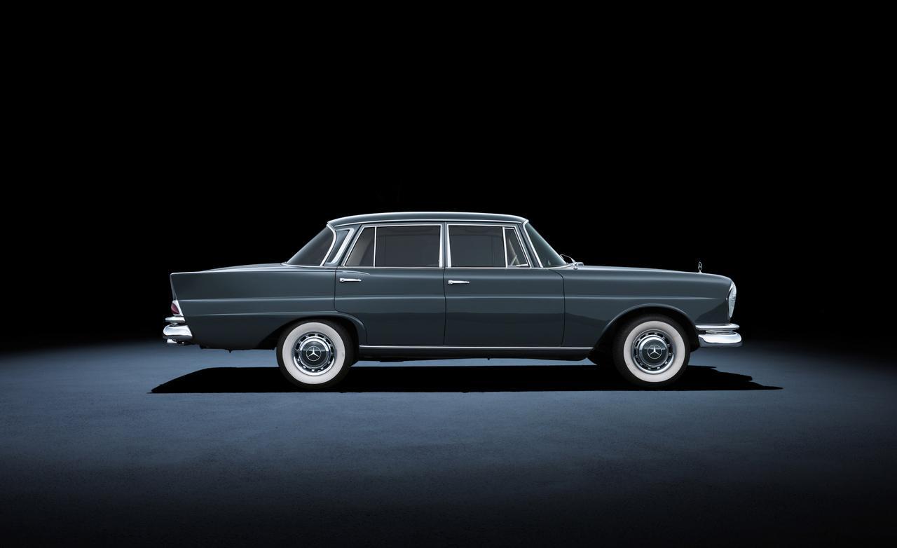 1964 года mercedes-benz 220SE W111