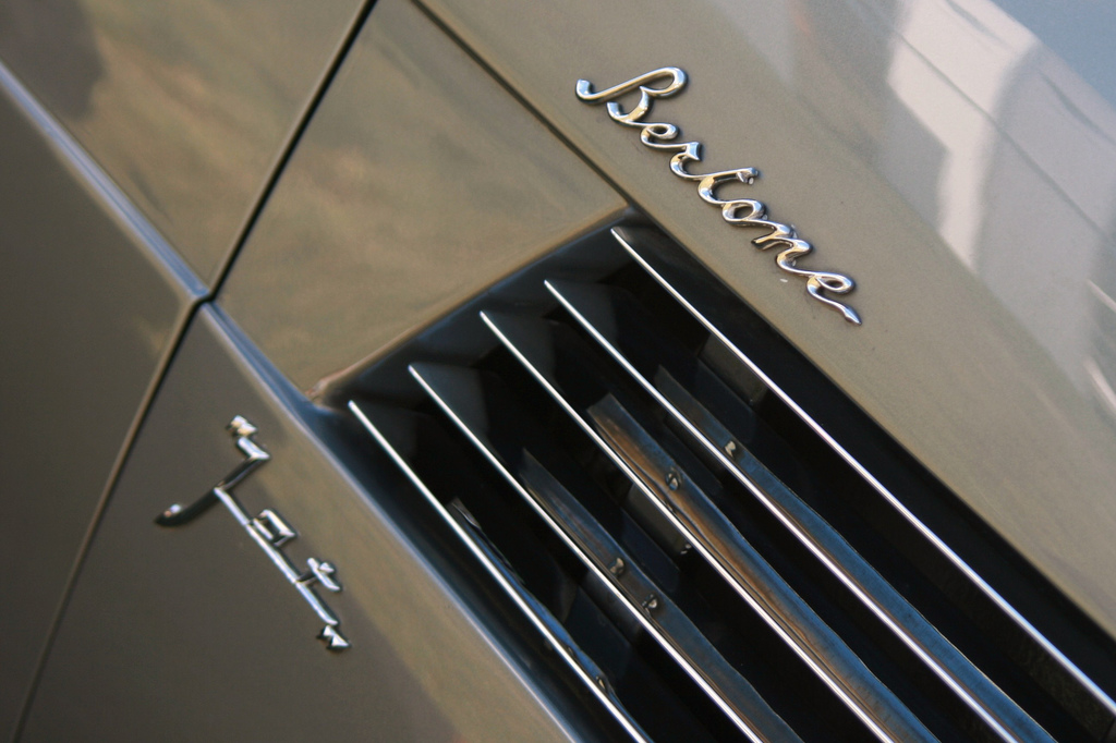 Aston Martin DB4 GT Bertone Jet значок Бертоне
