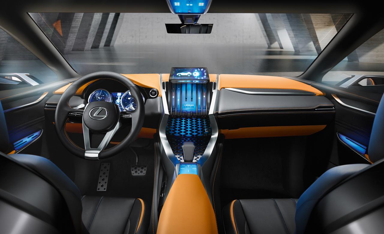 Lexus LF-NX интерьер