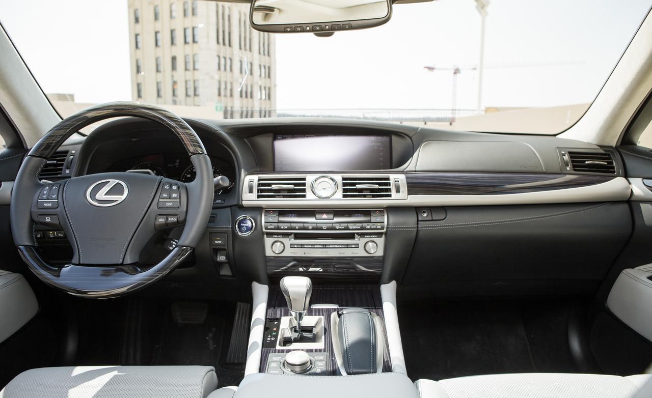 Тест нового Lexus LS 600h интерьер