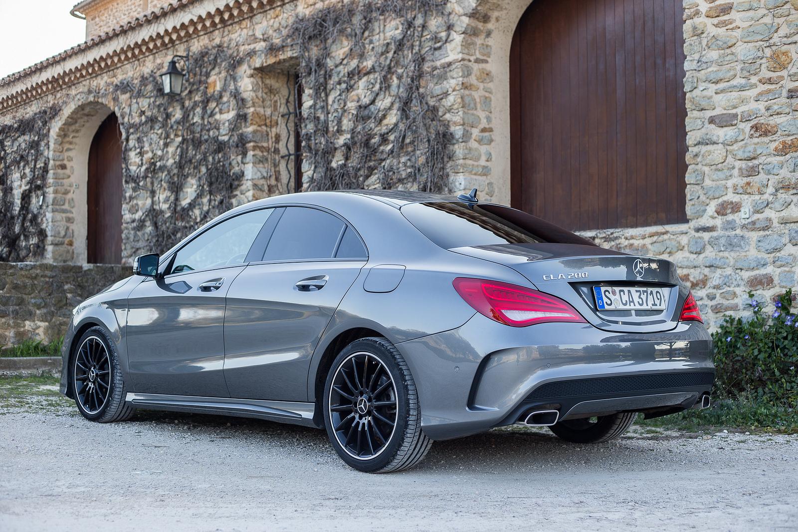 Mercedes-Benz CLA 200 тест