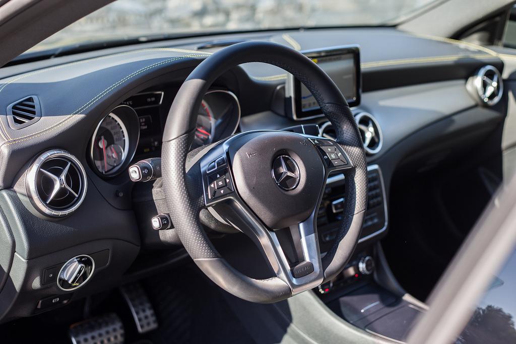 Mercedes-Benz CLA салон