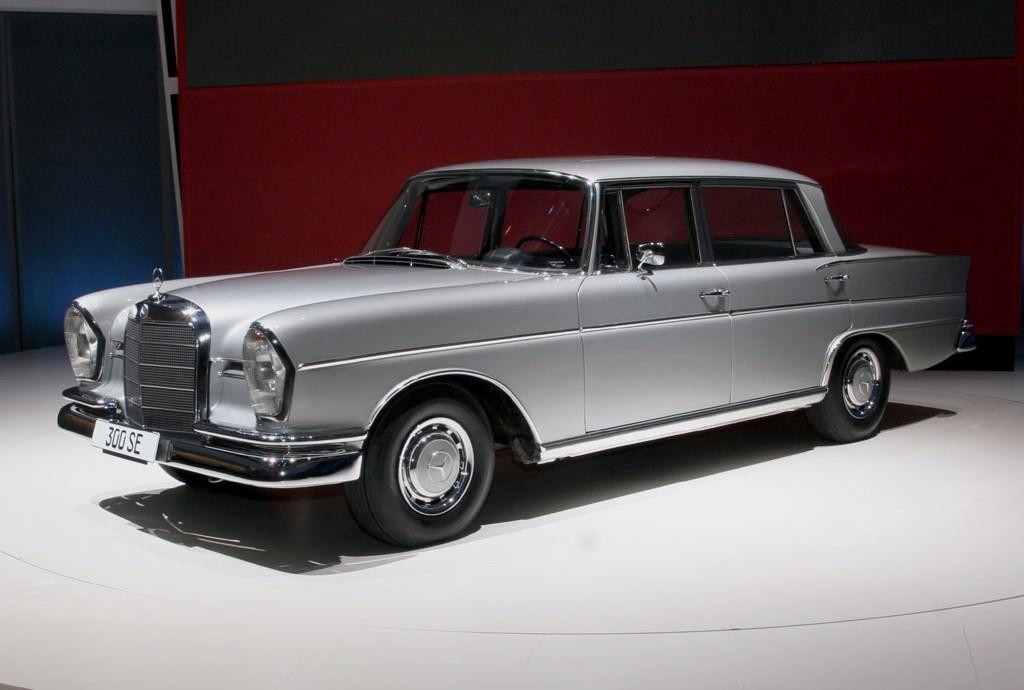 Mercedes-Benz W112 300SE