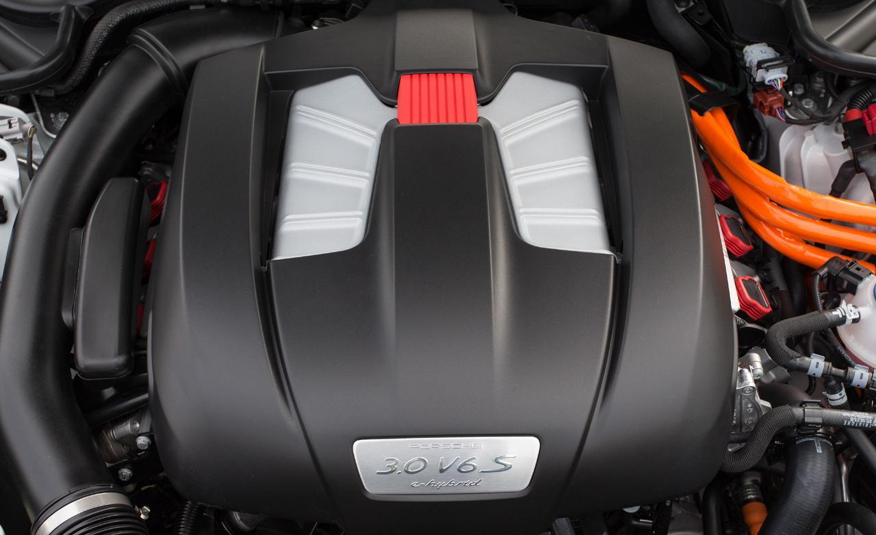 Тест Порше Панамера 2013 двигатель
