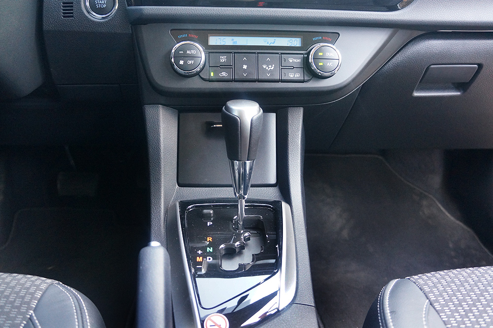 Новая Toyota Corolla 2013 тест-драйв