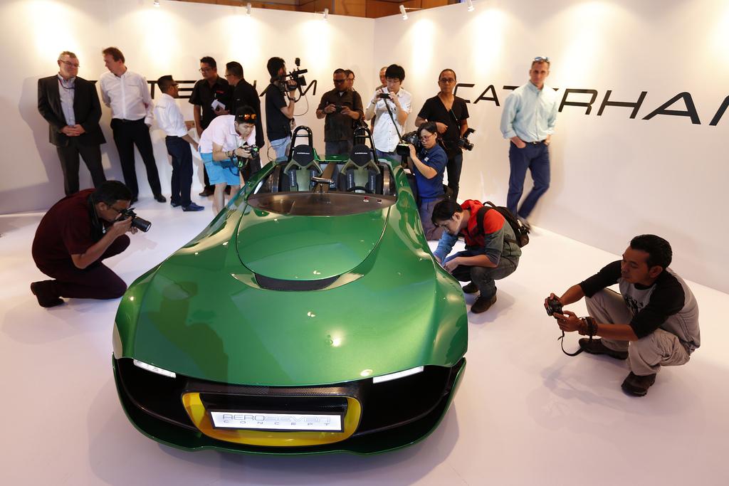 Caterham и Renault - AeroSeven