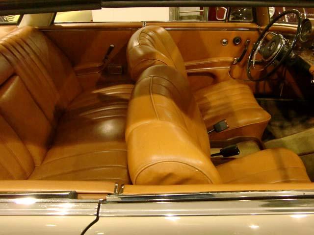 Интерьер Mercedes 280 SEV W111