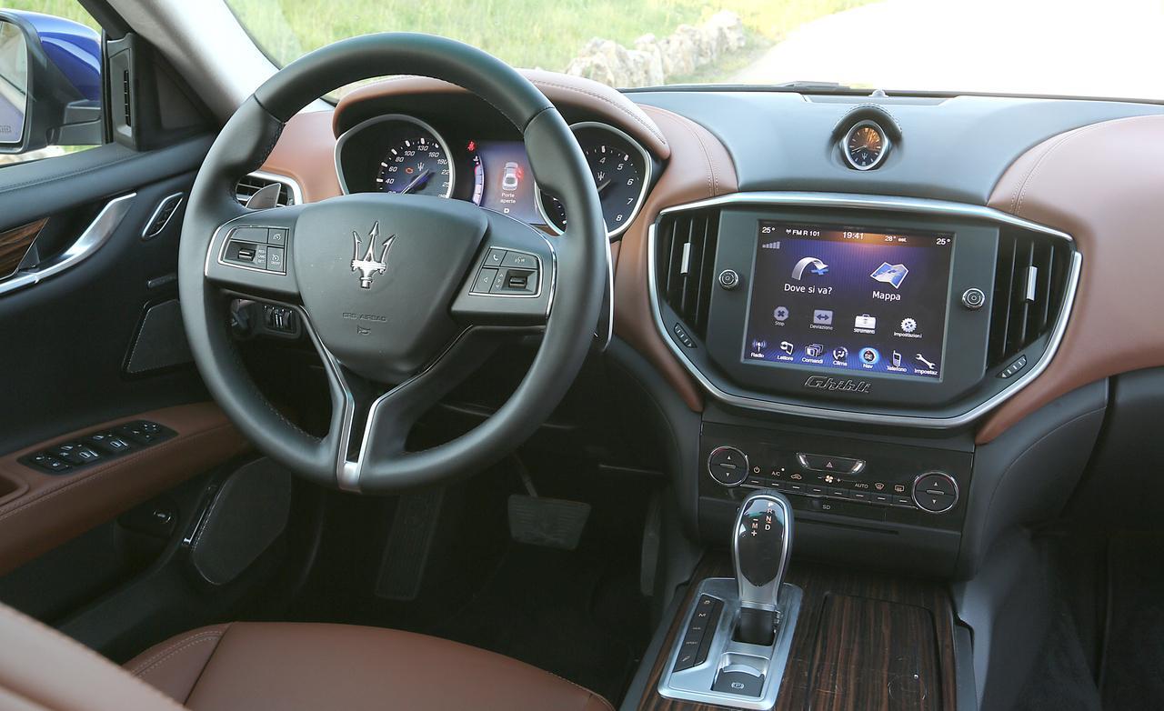 Maserati Ghibli салон