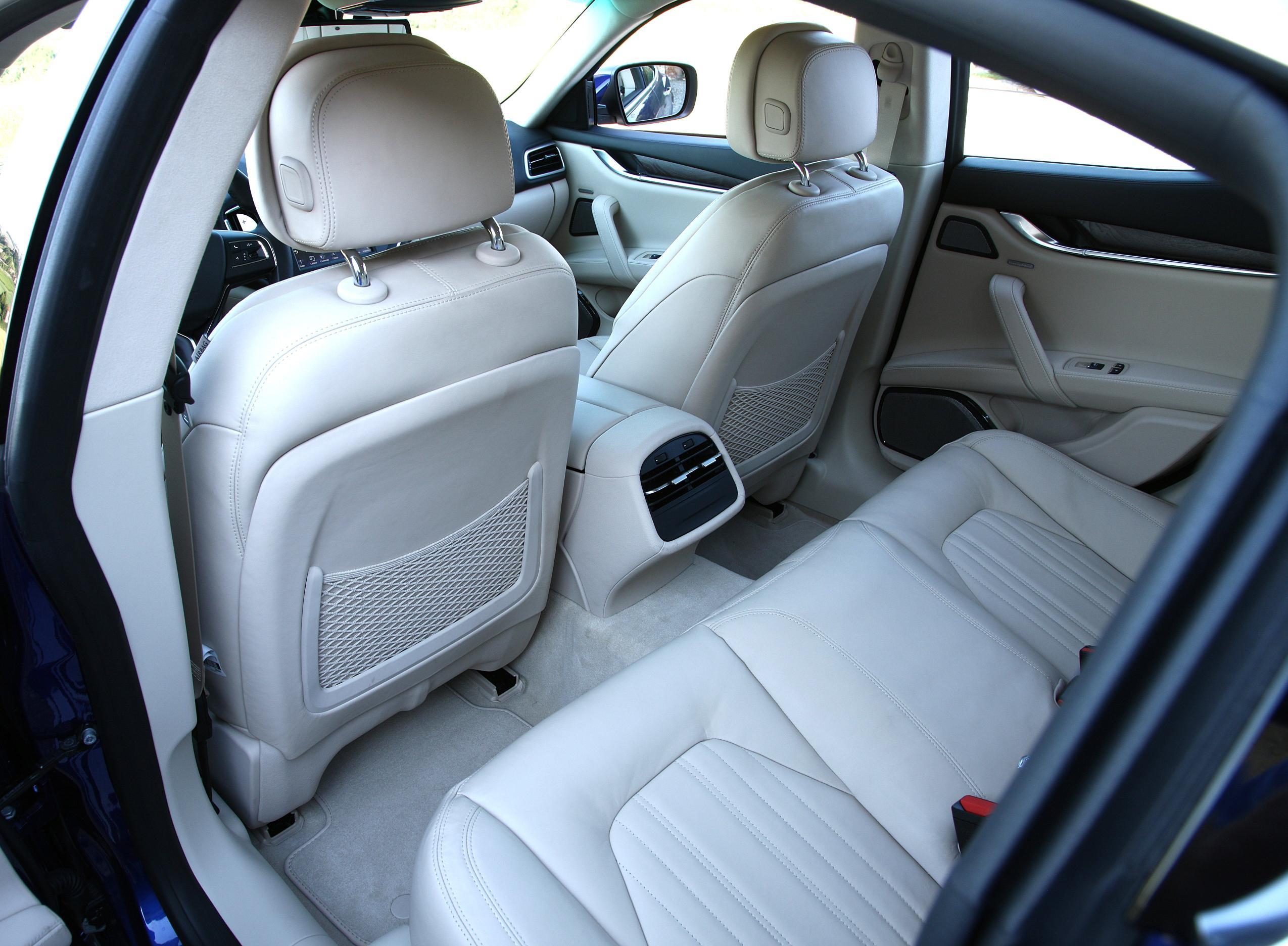 Maserati Ghibli сиденья